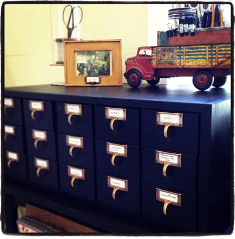 JSIM-Skil-Library-cabinet